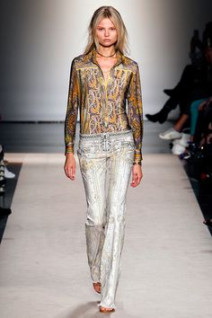 Isabel Marant Spring 2013 RTW - Review - Fashion Week - Runway, Fashion Shows and Collections - Vogue - Vogue
