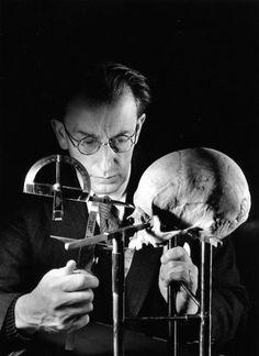 Atelier Robert Doisneau |Galeries virtuelles desphotographies de Doisneau - Sciences