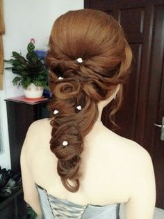 Korean style ~ By: Dress Up Room  http://www.wedding.com.my/category-hairstyle-and-makeup/4