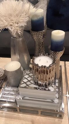 Cute Living Room, Table Decor Living Room, Room Decor Bedroom, Diy Aromatherapy Candles, Diy Crafts For Home Decor, Hardcover Books, Decorating Coffee Tables, Home Decor Accessories, Interior Design Living Room