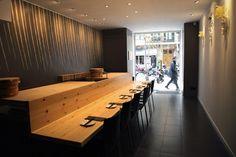 Futami: Kobfuji Architects combinan el mar de Seto y el Mediterráneo en este restaurante japonés de Barcelona.