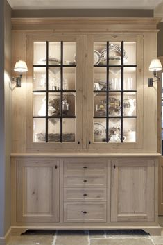 Stained Kitchen Cabinets, Kitchen Cabinet Design, Dining Room Corner, Deco Buffet, Decor Interior Design, Interior Decorating, Muebles Living, Ikea Living Room, Glass Cabinet Doors
