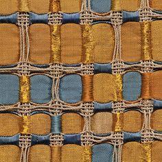 Amanecer by María Eugenia Dávila & Eduardo Portillo. Photo by Tom Grotta Weaving Projects, Weaving Art, Wire Weaving, Weaving Patterns, Hand Weaving, Textile Fiber Art, Textile Fabrics, Textiles Techniques, Weaving Techniques