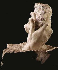 Escultura de Rodin, a mão de Deus.