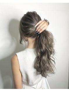 Pin on pelo Pretty Hair Color, Hair Icon, Light Hair, Hair Highlights, Pretty Hairstyles, Dyed Hair, Hair Inspiration, Curly Hair Styles, Hair Cuts
