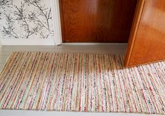 Recycled Fabric, Woven Rug, Recycling, Weaving, Rugs, Crochet, How To Make, Image, Home Decor