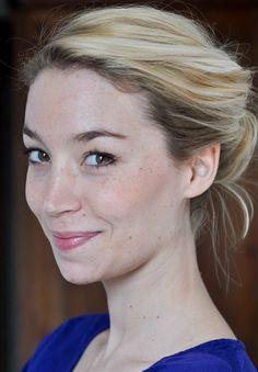 Justine Corrion- Fiche Artiste  - Artiste interprète - AgencesArtistiques.com : la plateforme des agences artistiques