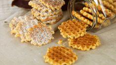 Kjeks laget i vaffeljern! - MatStart Recipe Boards, Cake Cookies, Biscuits, Food Porn, Food And Drink, Sweets, Snacks, Baking, Breakfast