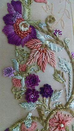 new brazilian embroidery design Zardozi Embroidery, Tambour Embroidery, Hand Work Embroidery, Couture Embroidery, Hand Embroidery Designs, Ribbon Embroidery, Floral Embroidery, Embroidery Stitches, Embroidery Patterns
