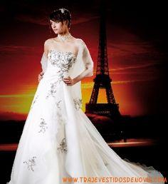 Miss Paris 11301  Vestido de Novia  The Sposa Group