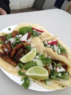 My favorite taco food truck in town! Taco Food Truck, Food Trucks, Food Pictures, Food Pics, Carnival Food, Places To Eat, Tacos, Pork, Mexican