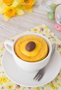 Net op tijd voor Pasen: het recept voor deze eenvoudige advocaat mug cake! Dit lekkere cakje maak je binnen vijf minuten klaar; ideaal voor het paasontbijt maar ook lekker als toetje. Deze advocaat mug cake maak je namelijk met maar vier simpele ...