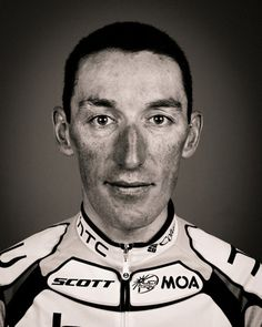 Professional cyclist portraits by Richard Baybutt - The face of a champion: Marco Pinotti Cycling Weekly, Pro Cycling, Cycle To Work, Cargo Bike, Biking, Bicycles, Athlete, Champion, Faces