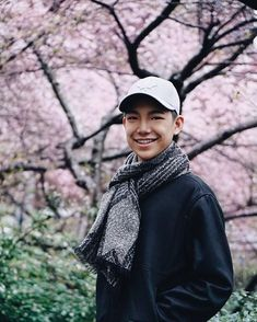 I was dying inside when l see your smile my Darren 😍😍 Espanto, Your Smile, Bae, Dying Inside, Singer, Watch, Japan, Places, Photos
