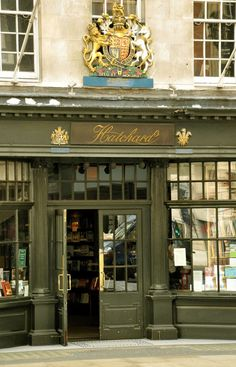Hatchards is located on Piccadilly, right next to Fortnum and Mason. It is the oldest bookshop in London, having been founded in 1797. The Ritz of bookshops - Hatchards is where the royal biographies feel at home, coincidentally not far from the Ritz.