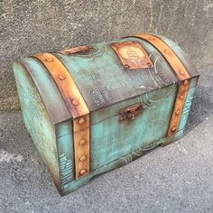 Discover thousands of images about Hand Decorated Shabby chic Jewelry Trinkets Box by JoliefleurDeco Decoupage Box, Decoupage Vintage, Old Trunks, Vintage Suitcases, Altered Boxes, Painted Boxes, Treasure Boxes, Paint Furniture, Casket