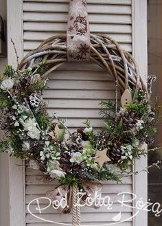 4 amazing and unique tips and tricks: Wicker Planter Decor wicker . - 4 amazing and unique tips and tricks: Wicker Planter Decor wicker baskets … – SELFMADE – - Christmas Door, Winter Christmas, Christmas Crafts, Christmas Decorations, Christmas Ornaments, Wicker Planter, Wicker Baskets, Wicker Shelf, Wicker Man