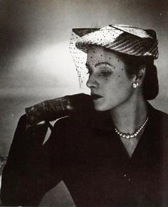 Hat by Evelyne Arzan, photo by Georges Saad, 1951