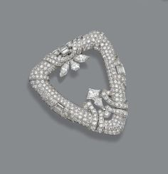 Art Deco diamond brooch, circa 1930. | © 2015 Sotheby's