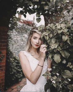 Adventures with Zoella and the GIANT Watering can Beautiful Person, Beautiful People, Sugg Life, Zoella Beauty, Zoe Sugg, British Youtubers, Just Video, Aesthetic Photo, Portrait Photography
