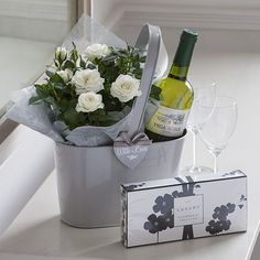 Check the way to make a special photo charms, and add it into your Pandora bracelets. White Wine, a small little Plant~ a simple Gift...