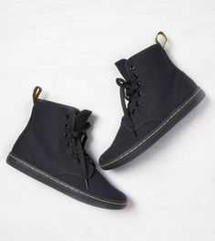 Black Dr. Martens Shoreditch Boot. I would wear these.