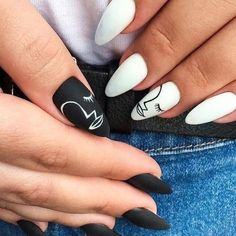 What Christmas manicure to choose for a festive mood - My Nails Aycrlic Nails, Nail Manicure, Swag Nails, Chic Nails, Manicures, Stylish Nails, Trendy Nails, Nail Design Glitter, Lines On Nails
