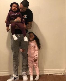🏘 Family Friday 🏘 ➖➖ My father is my teacher. But most importantly he's a great dad. Cute Family, Baby Family, Family Goals, Children And Family, Siblings Goals, Future Children, Couple Goals, Cute Black Babies, Cute Babies