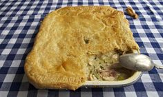 Felicity Cloake's perfect chicken pie for the Guardian Perfect Chicken, Small Chicken, Perfect Food, How To Cook Chicken, Pie Recipes, Gourmet Recipes, Cooking Recipes, Chicken Recipes, Roast Chicken Pie