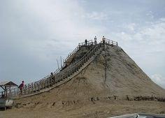 Volcan del Totumo, Cartagena. Colombia
