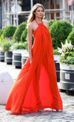 Jessica Hart Halter Dress - Jessica Hart Looks - StyleBistro- Orange flowy dress Jessica Hart, Elegant Maxi Dress, Flowy Dresses, Mode Inspiration, Dress Me Up, Dress To Impress, Beautiful Dresses, Summer Dresses, Summer Maxi