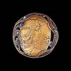Art Nouveau button.