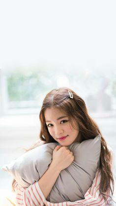 Wallpaper Lee Chaeyoung #Fromis_9 Korean Group, Korean Girl Groups, Kpop Girl Groups, Kpop Girls, Cool Girl, Boy Or Girl, Dragon Family, Pop Group, South Korean Girls
