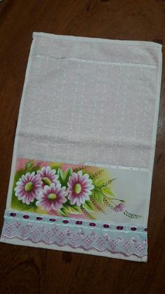 Fabric Painting, Kitchen Towels, Machine Embroidery, Textiles, Hand Painted, Diy, Face Towel, Bath Towels & Washcloths, Hand Towels