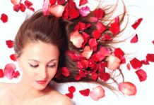 Rose water for hair has many benefits. It fights dandruff, promotes hair growth, controls oily scalp. Check out these easy DIY rose water recipes for hair. Rose Water Hair, Rose Water For Skin, Diy Haircare, Silky Smooth Hair, Dry Skin Remedies, Home Remedies For Hair, Organic Roses, Damaged Hair Repair, Best Beauty Tips