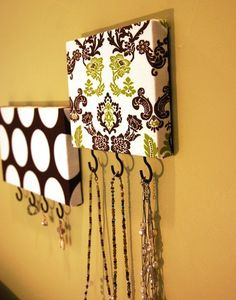 Main Ingredient Monday- 20 Canvas DIY Projects