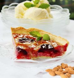 Pie's Recipe Almond plum pie, I want to try this with cherries!
