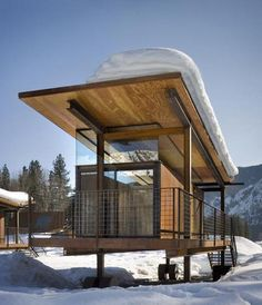 Walking-a-Modern-Log-Cabin-for-Camping-7