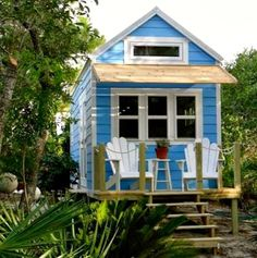 Cozy Little House: Owning Less Is Trending