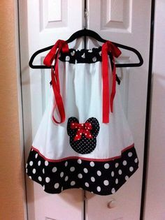 Minnie Mouse Dress with matching bow Toddler Dress, Toddler Outfits, Kids Outfits, Little Girl Dresses, Little Girls, Girls Dresses, Sewing For Kids, Baby Sewing, Kids Fashion