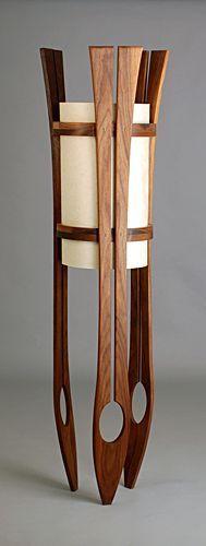 Luminária com reaproveitamento de assoalho de madeira
