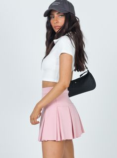 Pleated Skirt Outfit Short, Pink Denim Skirt, Pink Pleated Skirt, Cute Skirts, Mini Skirts, School Girl Dress, Casual Outfits, Party Outfits, Dope Outfits