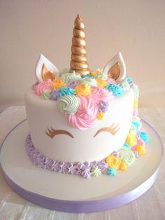 10 Unique Birthday Cake Ideas for Kids, Teens, Men and Women - Claras Geburtstag - Kuchen Unicorn Themed Birthday Party, Unicorn Birthday Cakes, Unicorn Party, 4th Birthday, Cake Birthday, Women Birthday, Little Girl Birthday Cakes, Birthday Ideas, Flower Birthday Cakes