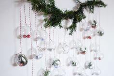 DIY Calendario de adviento con bolas de navidad