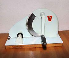 Gute alte Brotschneidemaschine :-) Hab ich noch im Keller