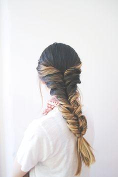 Popular VSCO Girl Hairstyles Ideas #hairstyleforwoman #womanhairstyle #hairstyleideas #easyhairstyle #haircare #hairtips #hairstyletips #haircolor