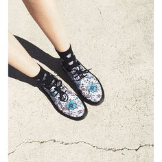 The Lester shoe in Wanderlust Canvas Print. Shared by whtlyne.
