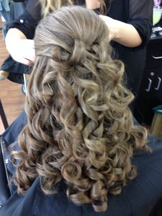 Pageant Hairstyles Inspiration Girlspreteen Pageant Hairlots Of Soft Curls Sides Swept Up