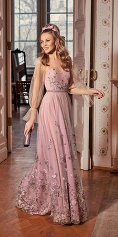 The 15 Most Stylish Wedding Guest Dresses For Spring Wedding Dresses Guide Evening Wedding Guest Dresses, Formal Wedding Guests, Luxury Wedding Dress, Evening Dresses, Wedding Dresses For Guests, Wedding Outfits, Making A Wedding Dress, Spring Dresses, The Dress