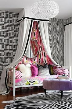 Fun room for teen girl! casa